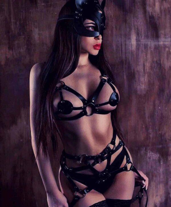 רצועות BDSM מעור